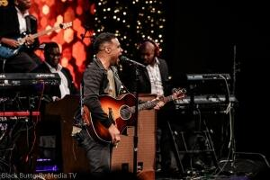 Todd Dulaney at 95.7 Hallelujah FM Worship Christmas