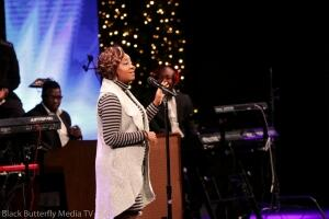 Le'Andria Johnson singing at 95.7 Hallelujah FM Worship Christmas. #957Christmas — at Hope Church.